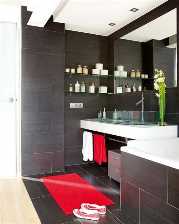 kamar mandi gelap