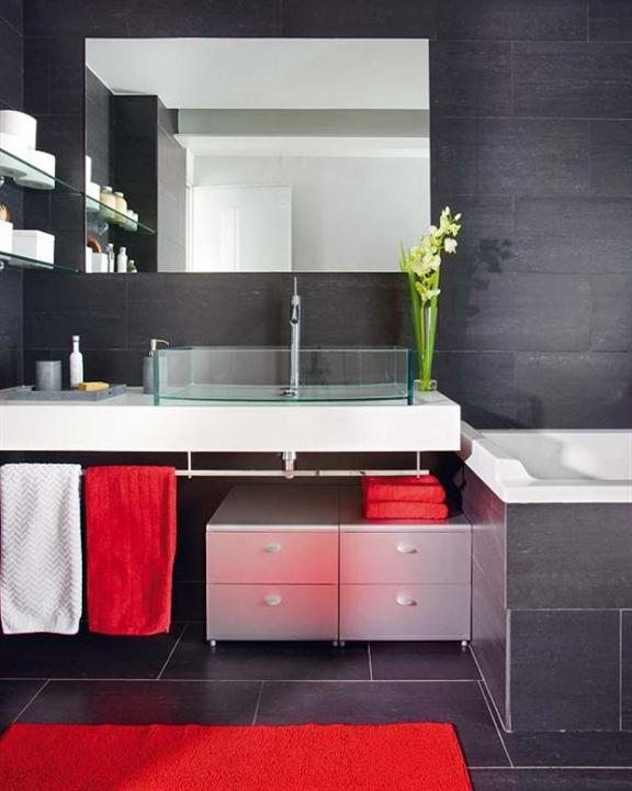 kamar mandi hitam putih