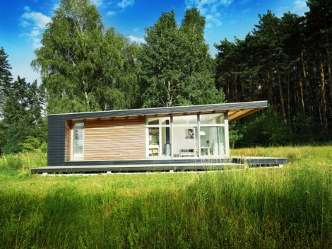 Modern prefab homes contemporary prefabricated home design for Small vacation home kits