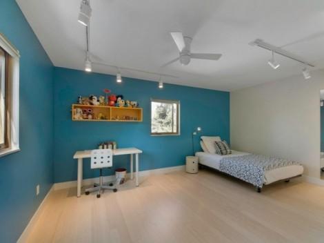 Residence dengan Dinding Luar Bermotif Kayu